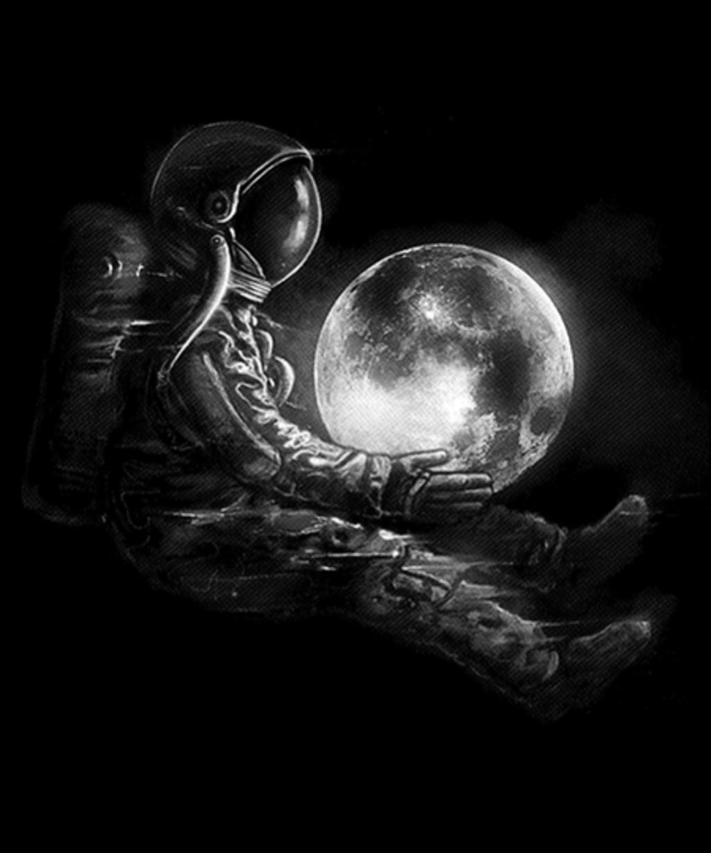 Qwertee: Moon Play